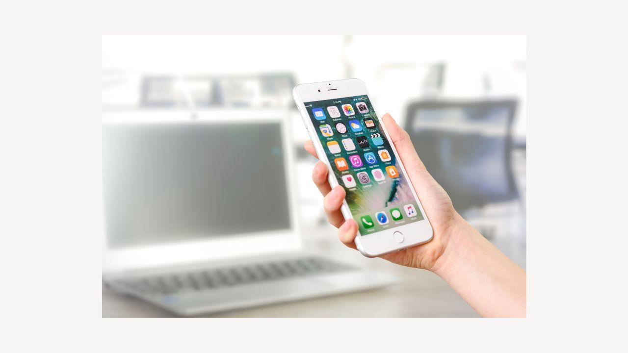 docomo withとMVNOでiPhone 7の2年間の料金を比較
