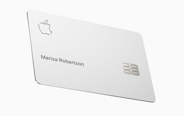 チタニアム Apple Card